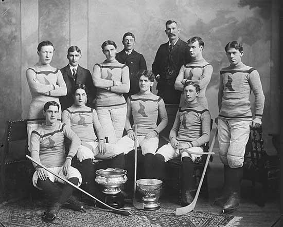 Канадски хокейни легенди от 1998-1899